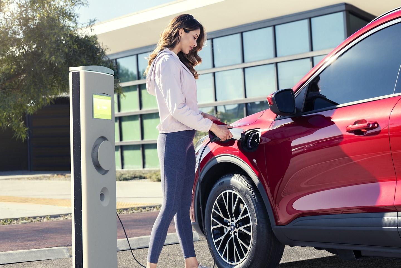 Ford Escape branchable en recharge