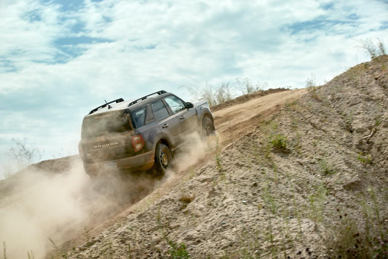 Ford Bronco Sport 2021 en montée hors route