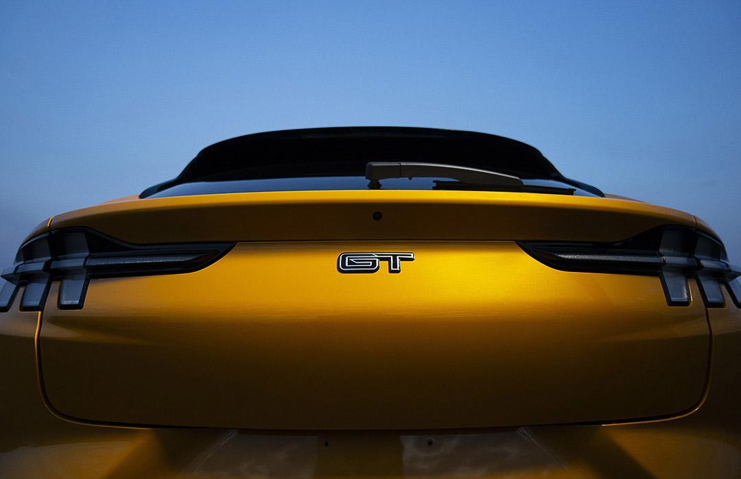 vue arrièere du Ford Mustang Mach-E GT 2021